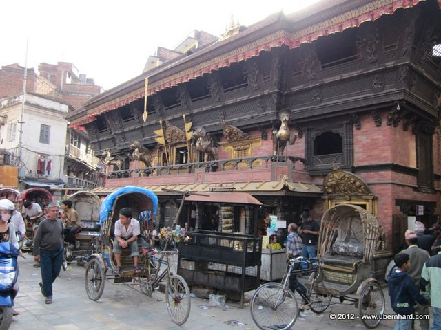 Kathmandu - So many different faces and smells...<br />
